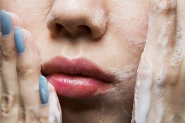 脸部皮肤粗糙怎么办 涂脸的正确步骤