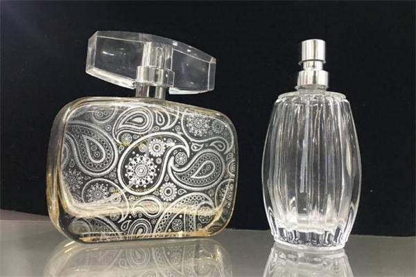 香水瓶属于什么垃圾 香水瓶是有害垃圾吗
