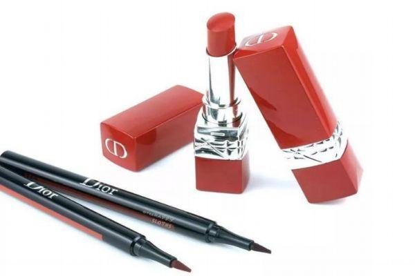 迪奥黑管红管哪个好 红管999和黑管999区别