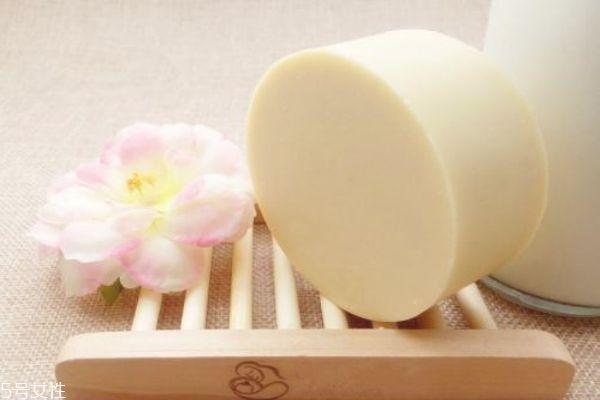 经常用羊奶皂洗脸好吗 山羊奶皂的功效与作用