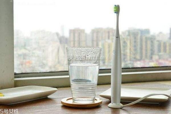 什么牌子的电动牙刷比较好 电动牙刷推荐性价比