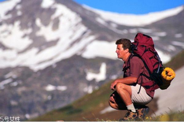 爬山腿会变粗吗 爬山一周几次健身效果好
