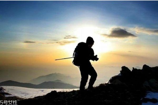 爬山锻炼什么肌肉 爬山会瘦腿吗