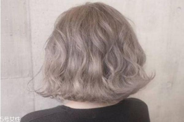 漂头发几个月可以烫发 头发漂了多久才能烫
