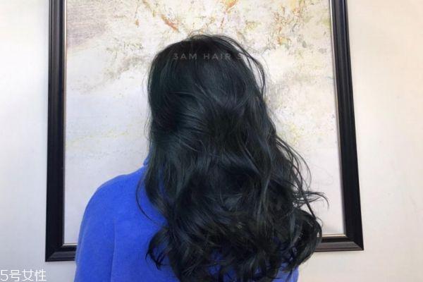 烫头发和染头发哪个伤害大 烫头和染头哪个更伤头发