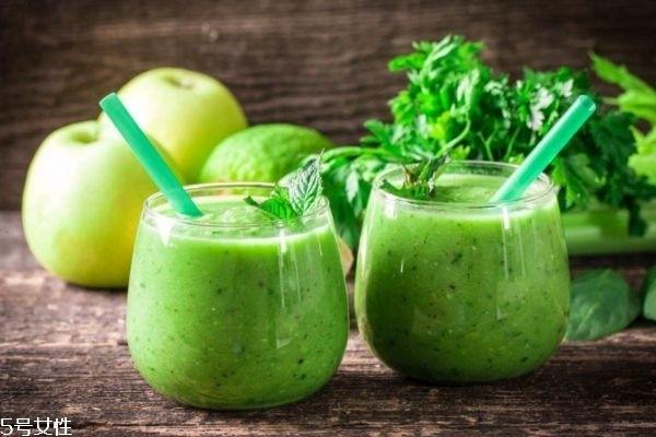 芹菜汁有什么功效 芹菜汁的功效