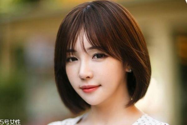 脸型比较大适合什么发型 发型和脸型的关系