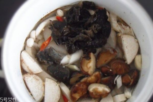 香菇白萝卜做法及功效 白萝卜炖香菇的功效