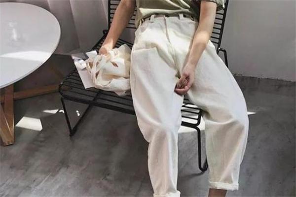 奶奶裤什么颜色好看 今夏最流行的单品