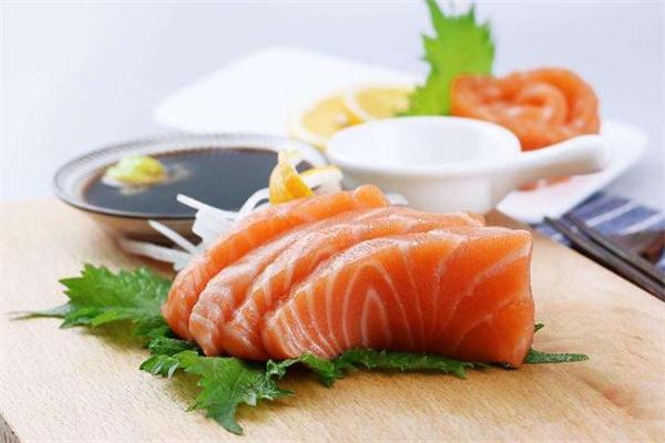 三文鱼什么季节吃最好 三文鱼什么时候最肥
