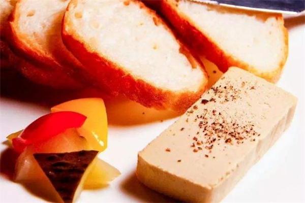 鹅肝酱能生吃吗 鹅肝酱可以直接吃吗