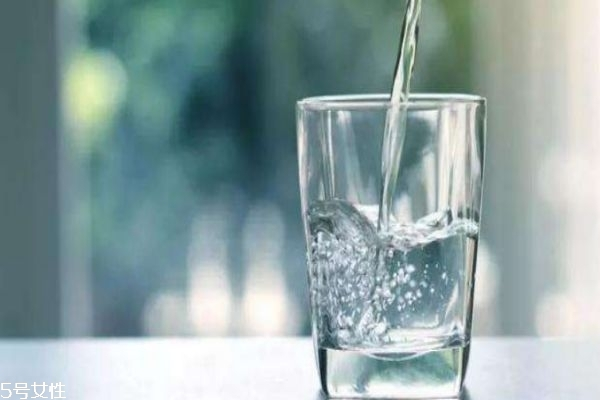隔夜水可以喝吗 怎么喝水对人体好呢