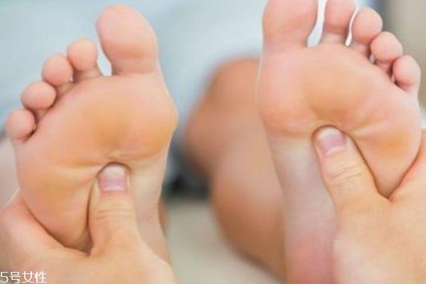 脚底按摩的功效是什么?呢 为什么人要脚底按摩呢