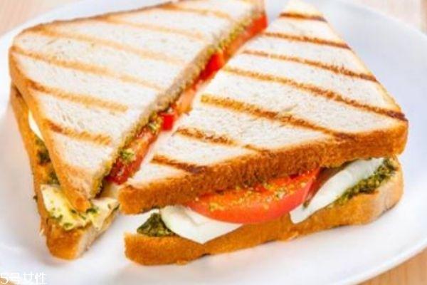 三明治的产地是哪里 三明治的做法有什么