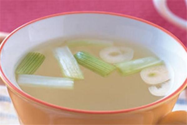 葱白水怎么煮给宝宝吃 葱白水最正确的做法