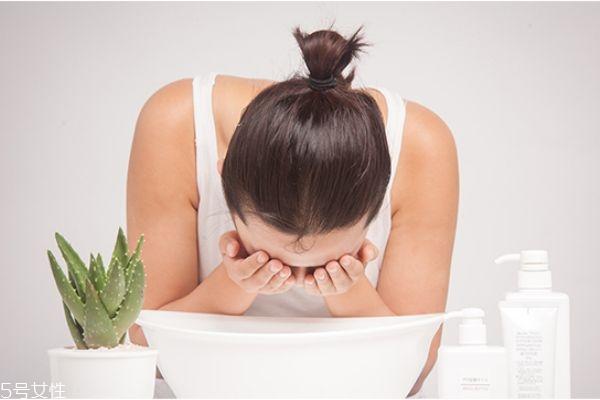 皂基洗面奶多久用一次 皂基洗面奶什么时候用好