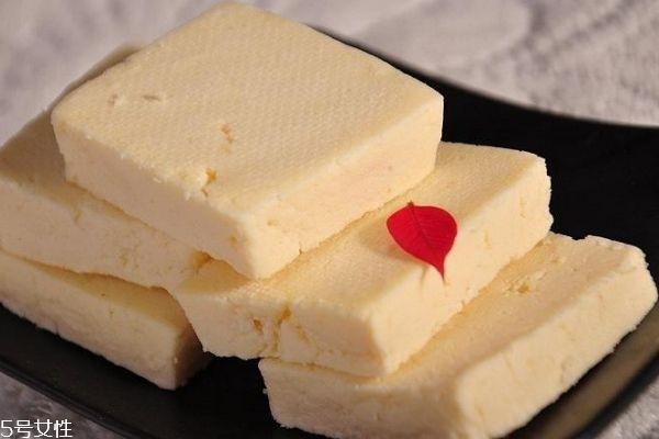 什么是奶豆腐呢 奶豆腐的做法是什么