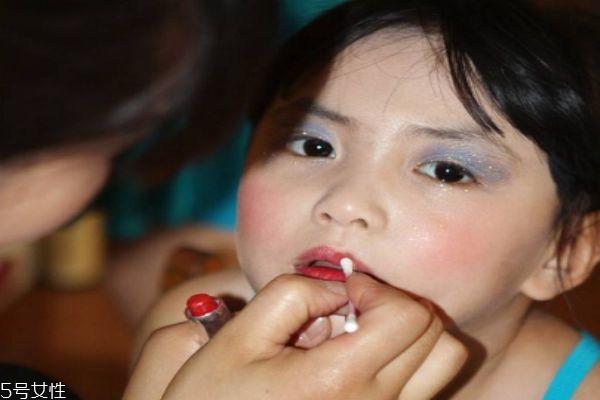 儿童眼影的画法步骤图片图片