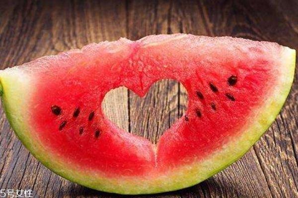 西瓜可以放多久呢 水果的保质期一般是多久呢