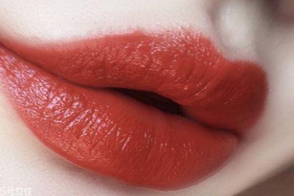 枫叶红口红适合素颜吗 枫叶色口红适合的肤色
