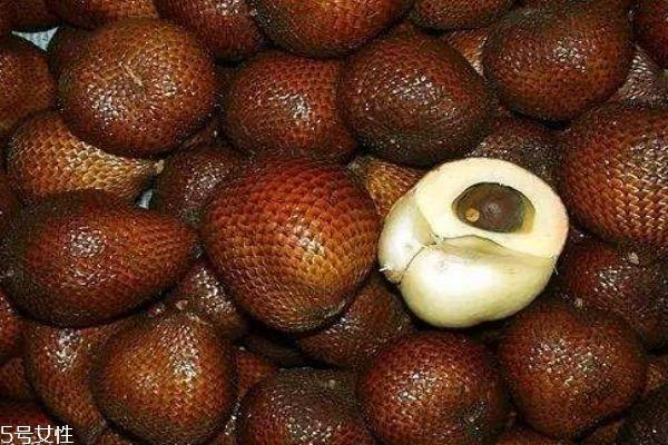 蛇皮果是什么水果呢 蛇皮果应该怎么吃呢