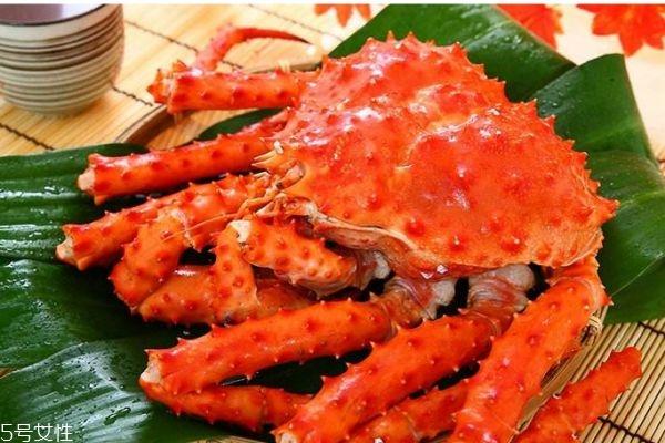 为什么帝王蟹叫帝王蟹 帝王蟹产自哪里呢