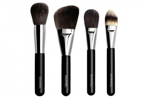 化妆刷应该怎么选择 化妆刷动物毛和人造毛区别