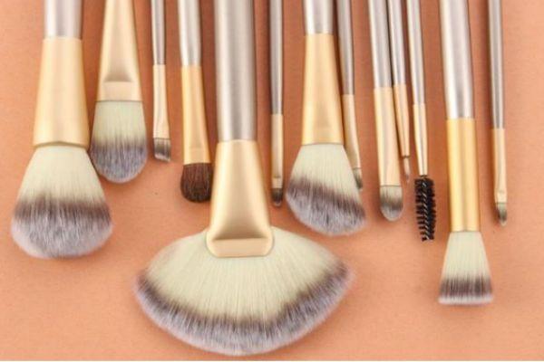 如何挑选化妆刷 化妆刷的选择