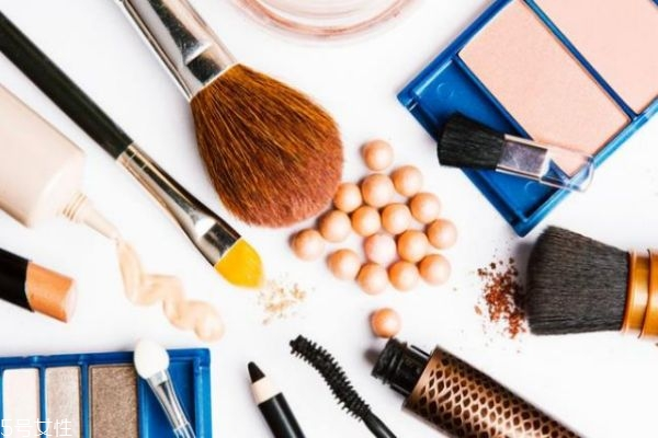 化妆刷多久清洁一次比较好 化妆刷使用寿命