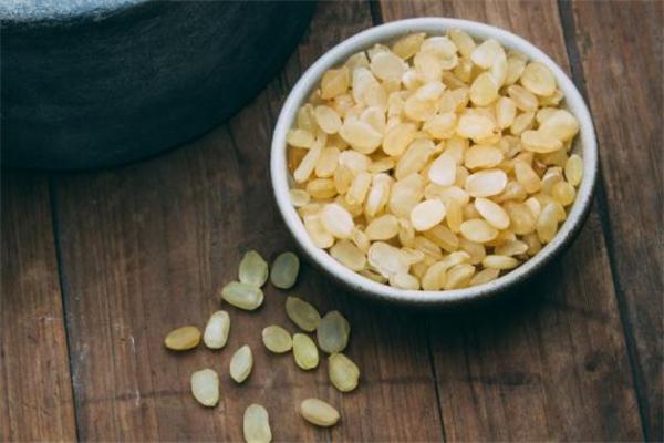 皂角米和燕窝可以一起炖吗 皂角米和燕窝的做法