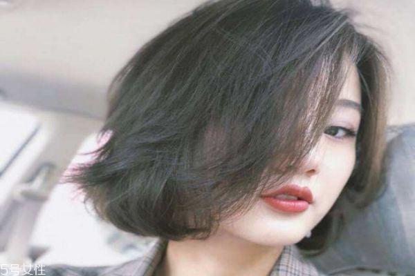 闷青色适合什么肤色 闷青色头发弄什么发型好看