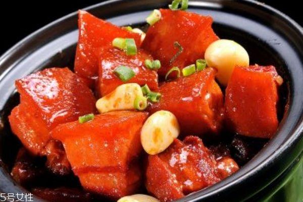 红烧肉应该怎么做呢 红烧肉要用什么肉呢