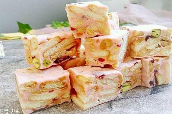 雪花酥要怎么做呢 做雪花酥的材料有什么呢