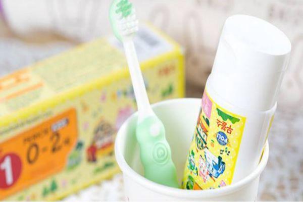 什么是儿童牙刷牙膏 儿童牙刷牙膏怎么选