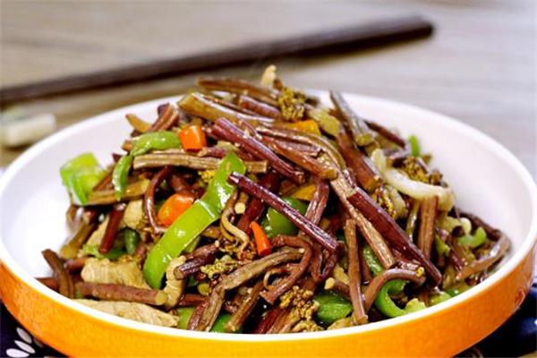 蕨菜怎么炒不苦 蕨菜要炒多久能熟