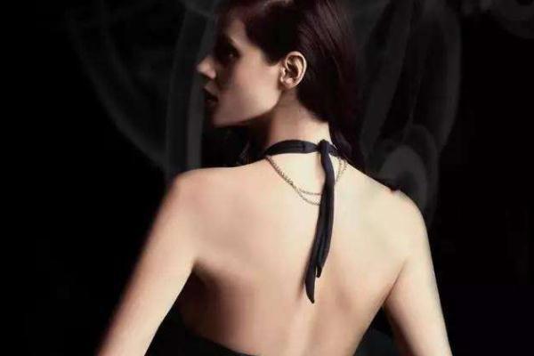 肩宽背厚怎么减肥 肩宽背厚是怎么形成的