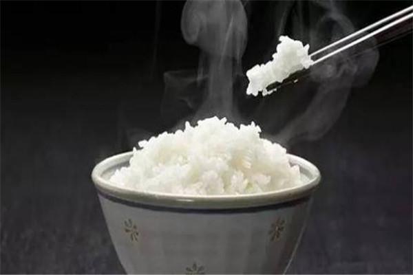 减脂能吃米饭吗 米饭适合减肥的时候吃吗