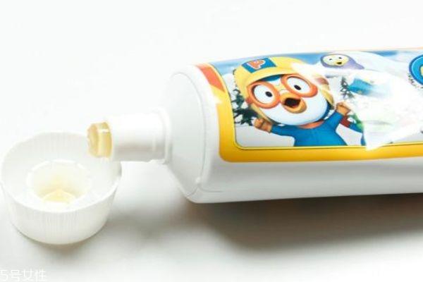 儿童牙膏和成人牙膏有什么区别呢 牙膏到底要不要含氟呢