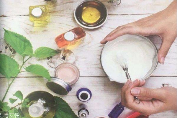 自制化妆品 自制护肤品配方 教你自制手工护肤品