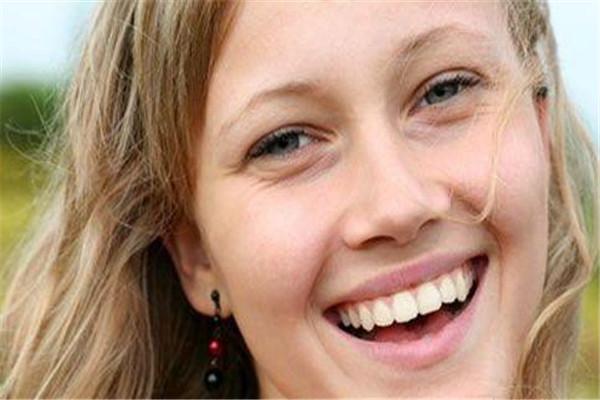 牙齿贴面能维持多久 维持时间取决于很多因素