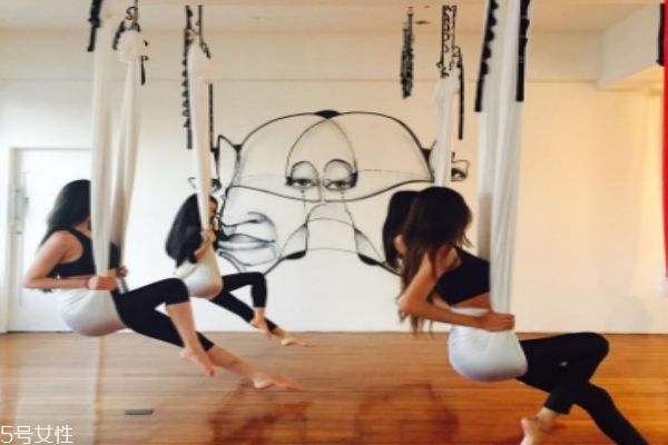 空中瑜伽有什么好处呢 空中瑜伽可以减肥吗
