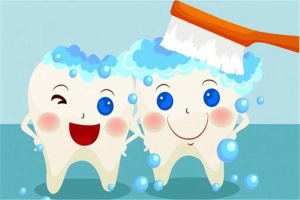 用盐刷牙的正确方法是什么 用盐刷牙不能太频繁