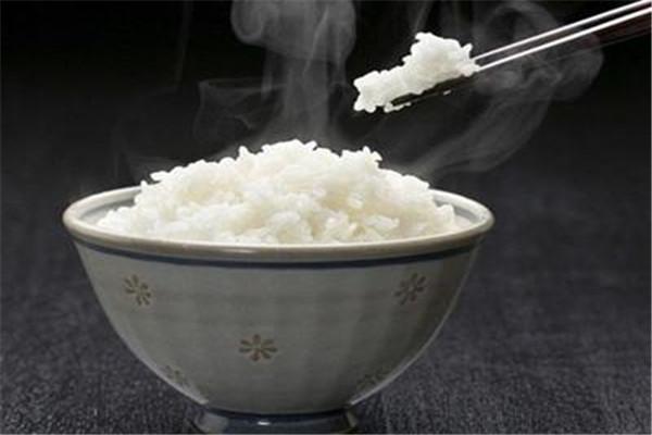 白米饭是垃圾食品吗 白米饭的功效