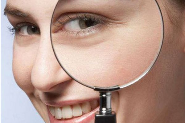 眼霜有什么作用和功效 眼霜一定要用还要趁早用