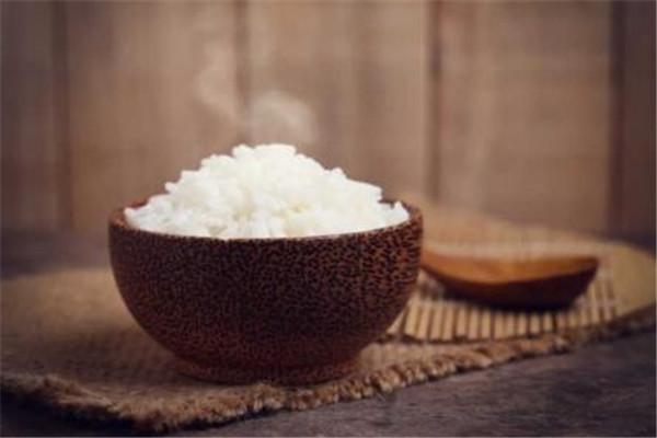 米饭一直保温能放多久 米饭的储存时间