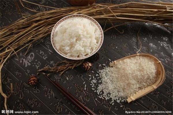 米饭用冷水还是热水好 米饭怎么蒸