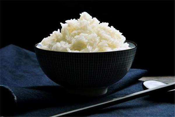 米饭用微波炉热几分钟 米饭的加热时间