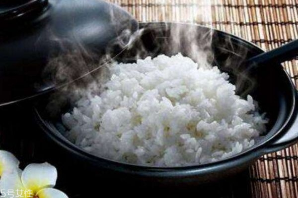 大米应该怎么做呢 大米的禁忌人群有什么