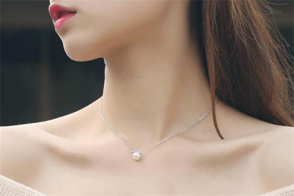 珍珠项链能用自来水洗吗 珍珠项链能用龙头水洗吗