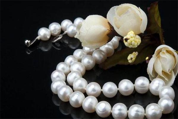珍珠项链会过敏吗 珍珠项链过敏怎么办